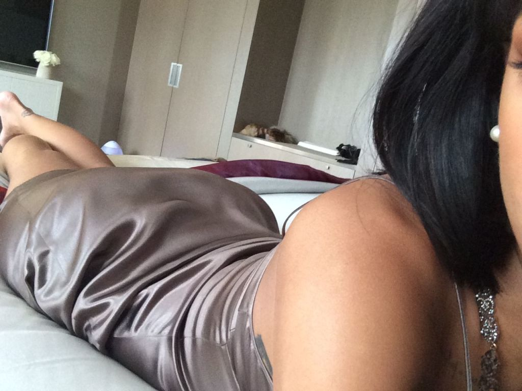 Rihanna pelada caiu na net (12)
