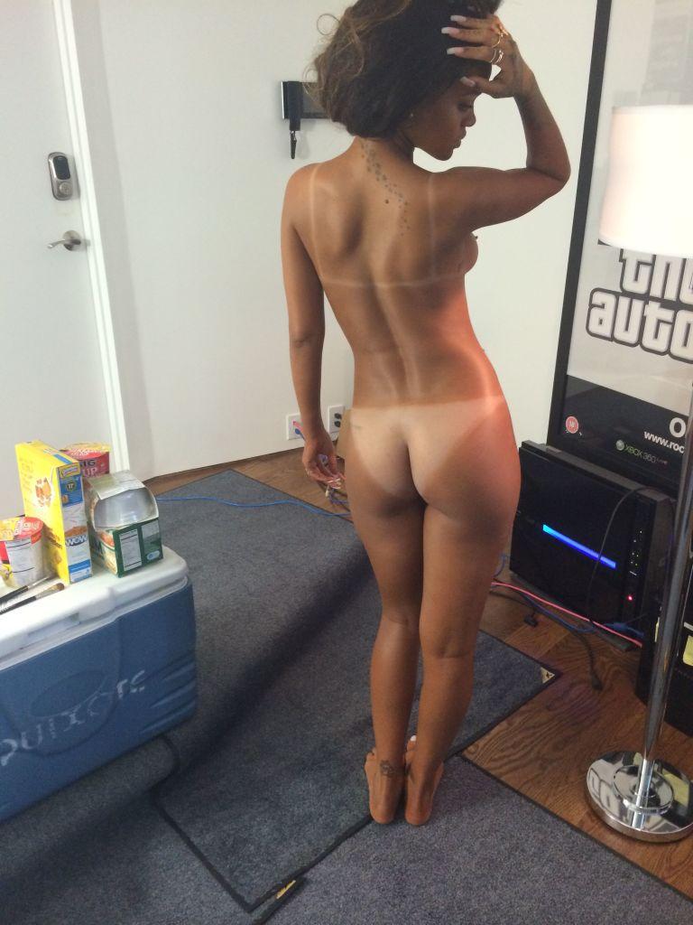 Rihanna pelada caiu na net (3)
