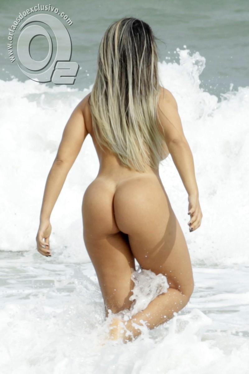 Andressa Soares Pelada mulher melão pelada nua na praia do abricó