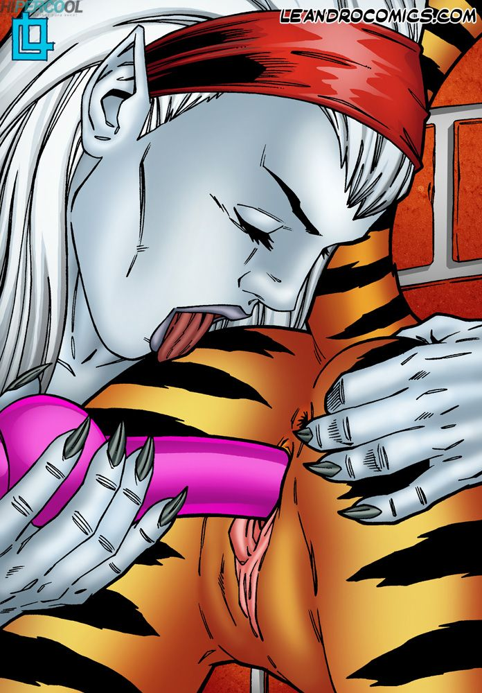 Tigra makes your meat sword purr! (16)